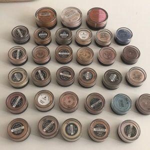 32 bare minerals makeup pods